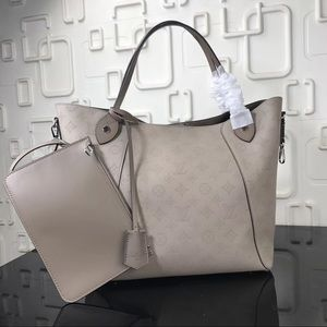 Louis Vuitton hina cream
